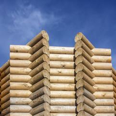 Ритмический рисунок деревянной постройки.