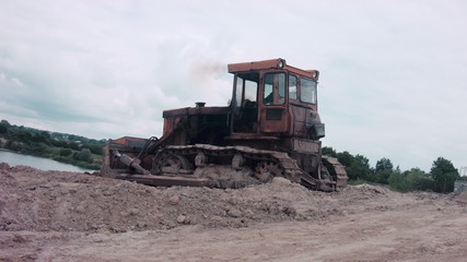 Bulldozer Quarrying