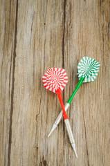 Two arrows darts