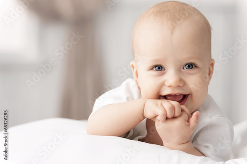 canvas print picture Portrait of a crawling baby