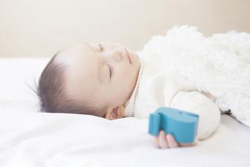 気持ちよさそうに眠る赤ちゃん