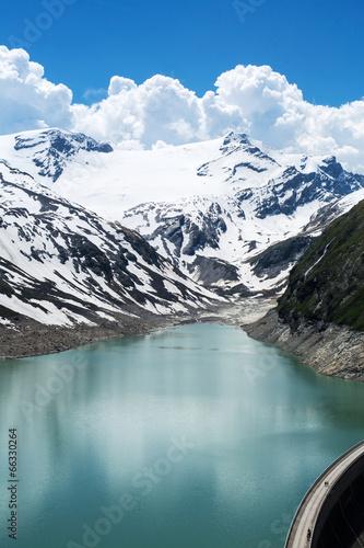 Fotobehang Vestingwerk Stausee in den Alpen