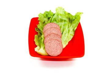 Frische Salami mit Eisberg Salat