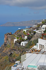 terrassen mit aussicht auf santorin, griechenland