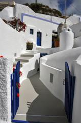 klassisch griechische architektur, blau und weiß