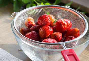 Erdbeermarmelade Kochen abtropfen nach dem waschen