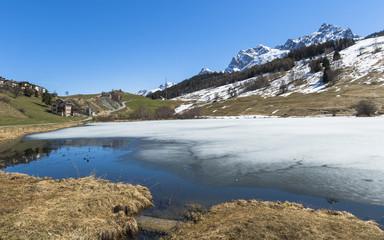 Scuol, Tarasp, Dorf, Bergsee, Taraspersee, Alpen, Schweiz