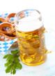 canvas print picture - Oktoberfest Bier und Brezeln