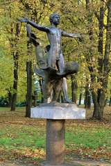 Get Naked sculpture (Monument of Nudist) in Kaliningrad, Russia
