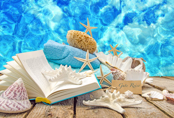 Auszeit: Lesen im Urlaub am Strand :)