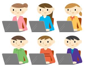 パソコンをする男女