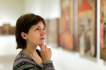 visitor in art gallery