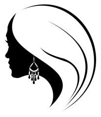 profil de jeune fille à la boucle d'oreille noire