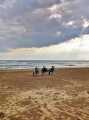 In spiaggia dopo il temporale