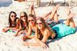 canvas print picture - Freundinnen am Strand