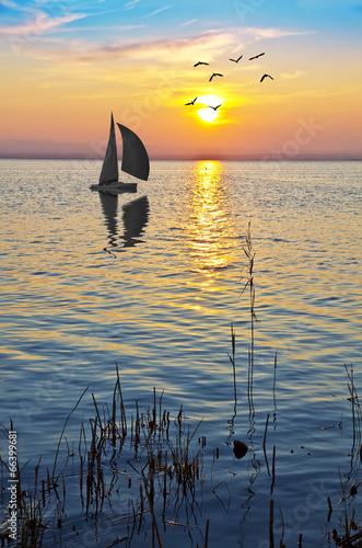 Fotobehang Een Hoekje om te Dromen paisaje vertical de un amaencer en el mar