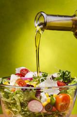 insalata mista con olio di oliva