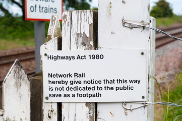 Railway crossing warning sign Highway act 1980
