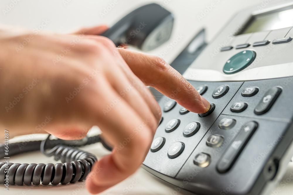 telefony centrum służba - powiększenie