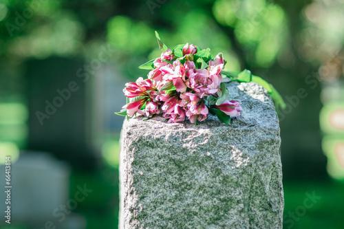 Fotobehang Begraafplaats Headstone in Cemetery