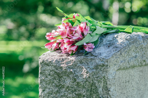 Foto op Canvas Temple Headstone in Cemetery