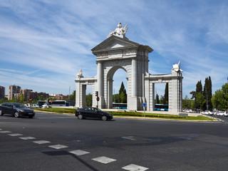 Puerta de San Vicente en Madrid