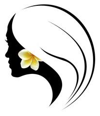 profil de jeune fille tahitienne à la fleur de tiaré