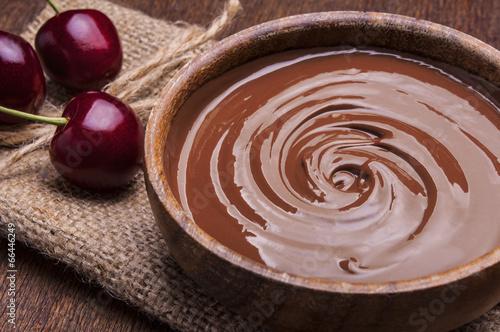 Bowl of chocolate cream - 66446249