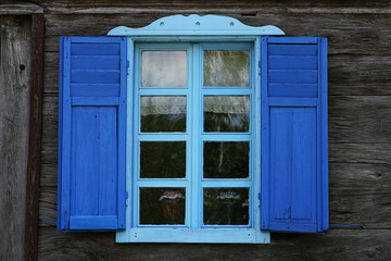 Holzfenster_Blau