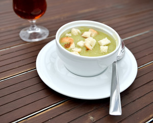 Peas soup with beer