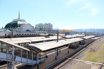 железнодорожная платформа на красноярском вокзале