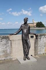 Eine Statue in Langenargen