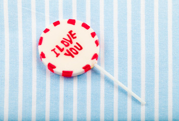 "lolipop that says ""I love you"""