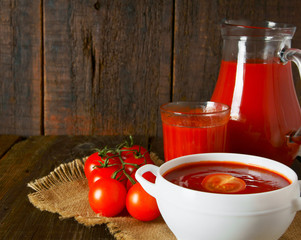 Tomato sauce and juice
