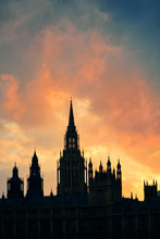 Palais de Westminster silhouette