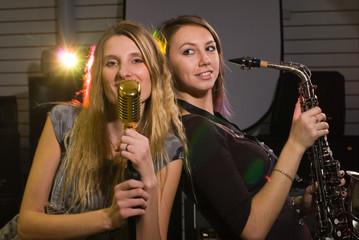 Women at concert