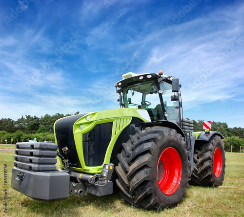 Tractor - 66499286