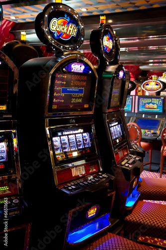slot machine - 66511663