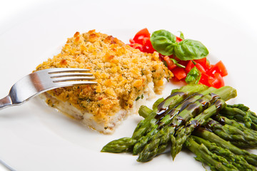 cod fish with crispy breadcrumbs and asparagus