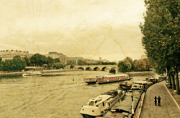 river seine in paris on a cloudy day