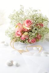 parure sposa_buouquet rose e confetti