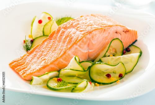Gourmet oven-baked pink salmon steak - 66523051