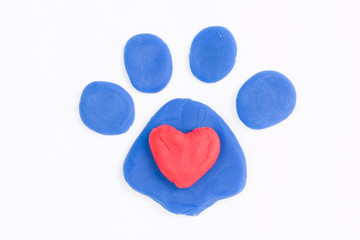 Plasticine paw and heart.