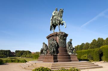 Schwerin Denkmal Franz von Mecklenburg