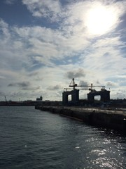 港のクレーン