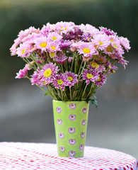 chrysanthemums flower arrangement