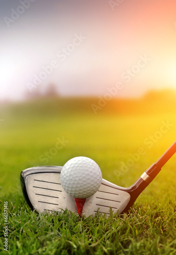 Foto op Canvas Persoonlijk Golf club and ball in grass