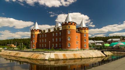 административное здание санатория построенное в стиле замка