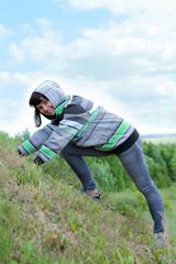 женщина на холме