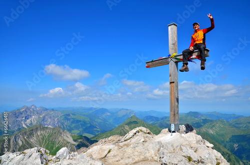 Berg, Gipfel und Ziel mit Erfolg erreicht - 66626451